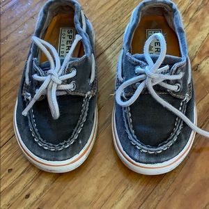 Super stylish toddler 8.5 Sperry boat shoes